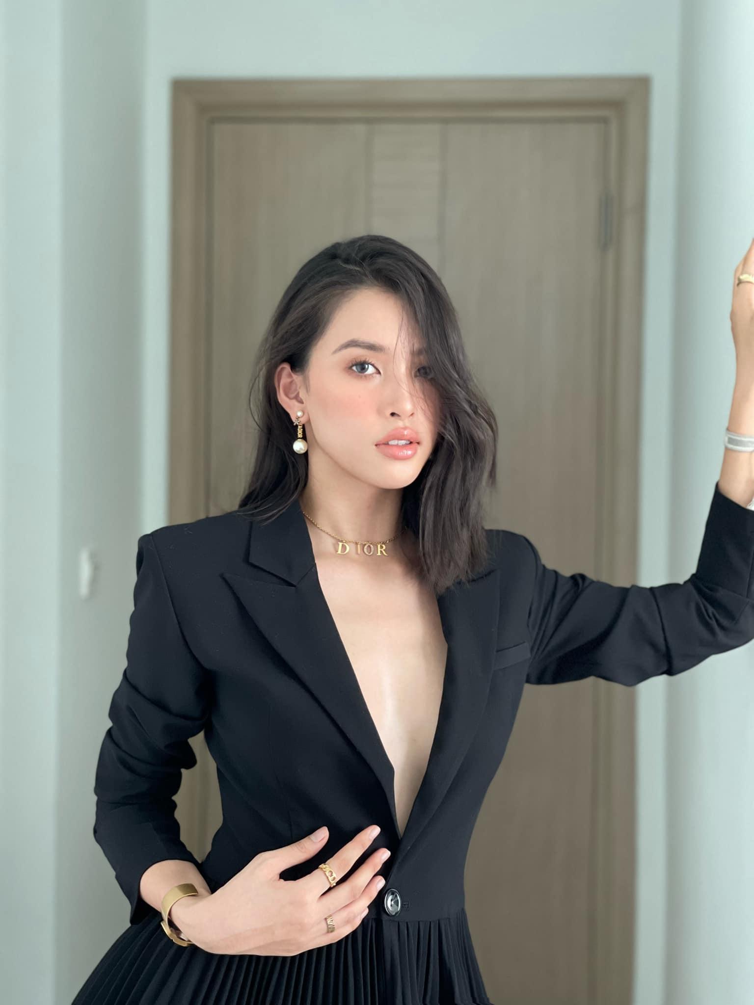 Midu hiếm hoi hở bạo bên bồn tắm, Trần Tiểu Vy diện váy xẻ sâu dẫn đầu top sao mặc đẹp tuần qua - Ảnh 7.