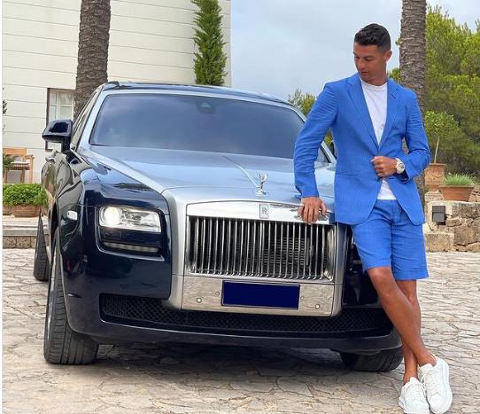 Đăng thông điệp ẩn ý, Ronaldo khiến CĐV Juve sốt sắng - Ảnh 1.