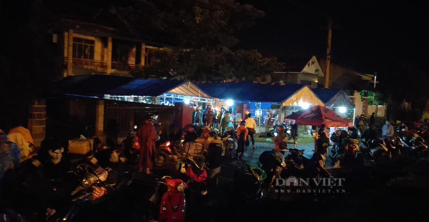 Đắk Lắk: Bí thư Đoàn trả lại 240 triệu cho người dân rơi ở chốt kiểm dịch - Ảnh 2.
