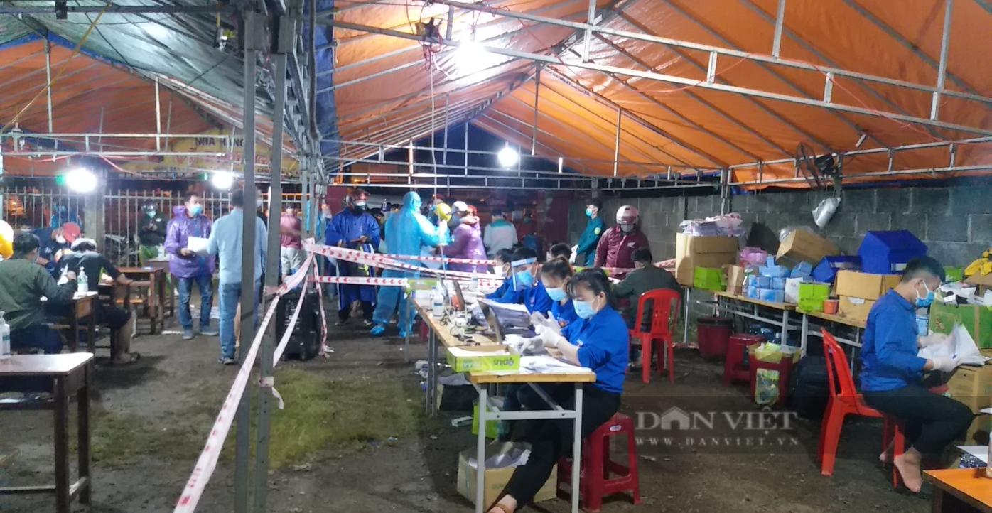 Đắk Lắk: Bí thư Đoàn trả lại 240 triệu cho người dân rơi ở chốt kiểm dịch - Ảnh 3.