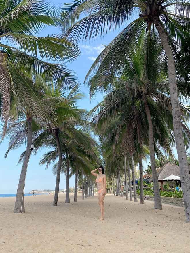 Hoa khôi bóng chuyền Kim Huệ U40: Những lần diện bikini khiến fan... nổi sóng - Ảnh 3.