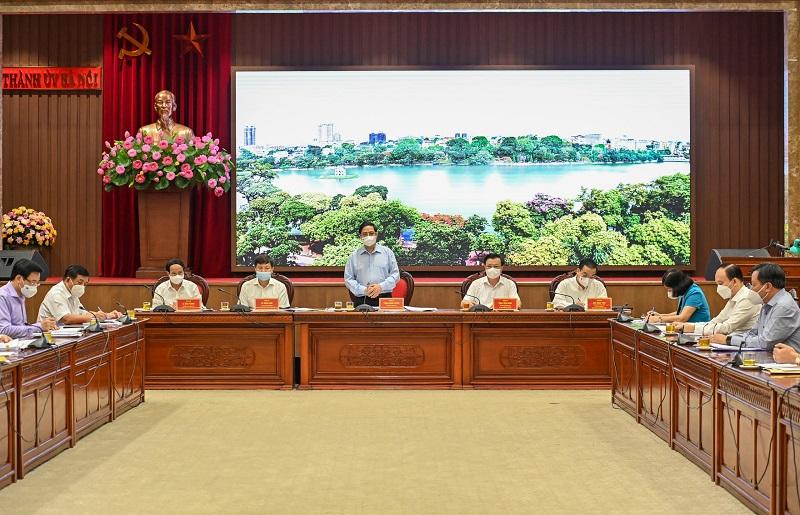 Thủ tướng: Nhiệm vụ số 1 là chống dịch, phải quyết tâm bảo vệ Thủ đô không bị diễn biến xấu - Ảnh 2.