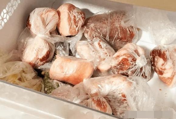 Không bảo quản thịt lợn trực tiếp trong tủ lạnh. Hãy học một mẹo nhỏ từ người bán hàng, thịt lợn không bị hư hỏng - Ảnh 7.