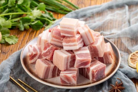 Không bảo quản thịt lợn trực tiếp trong tủ lạnh. Hãy học một mẹo nhỏ từ người bán hàng, thịt lợn không bị hư hỏng - Ảnh 2.