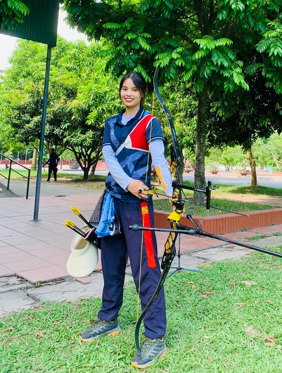 """Vẻ đẹp""""vạn người mê"""" của nữ cung thủ mở màn Olympic Tokyo cho thể thao Việt Nam - Ảnh 1."""
