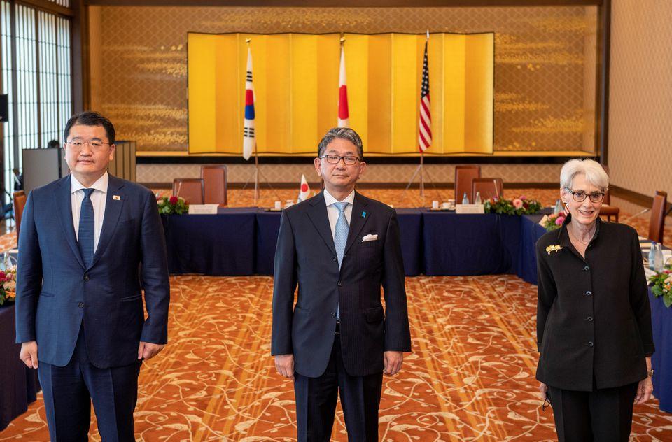 Mỹ, Nhật Bản và Hàn Quốc gửi thông điệp rõ ràng tới Triều Tiên - Ảnh 1.