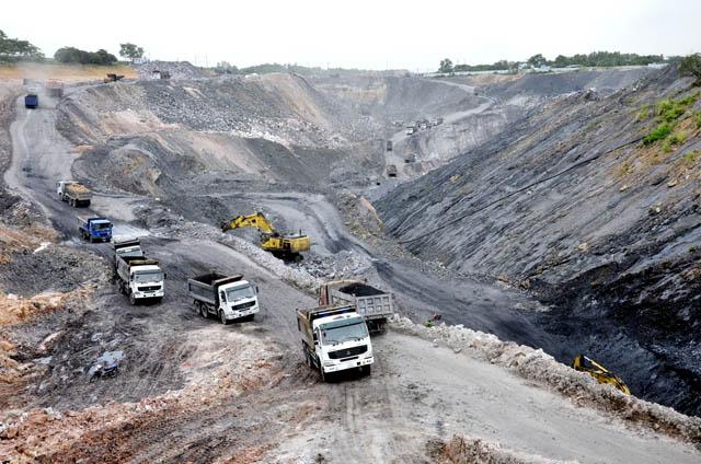 Sớm đóng cửa mỏ đá và mỏ than lộ thiên tại TP.Hạ Long - Ảnh 1.