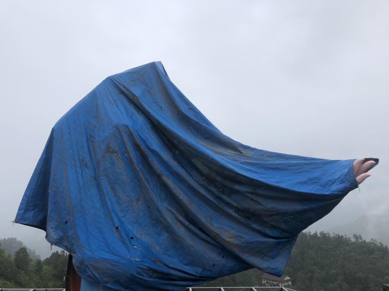 Lào Cai: Tháo dỡ tượng nữ hoàng băng giá Elsa ở Sa Pa - Ảnh 1.
