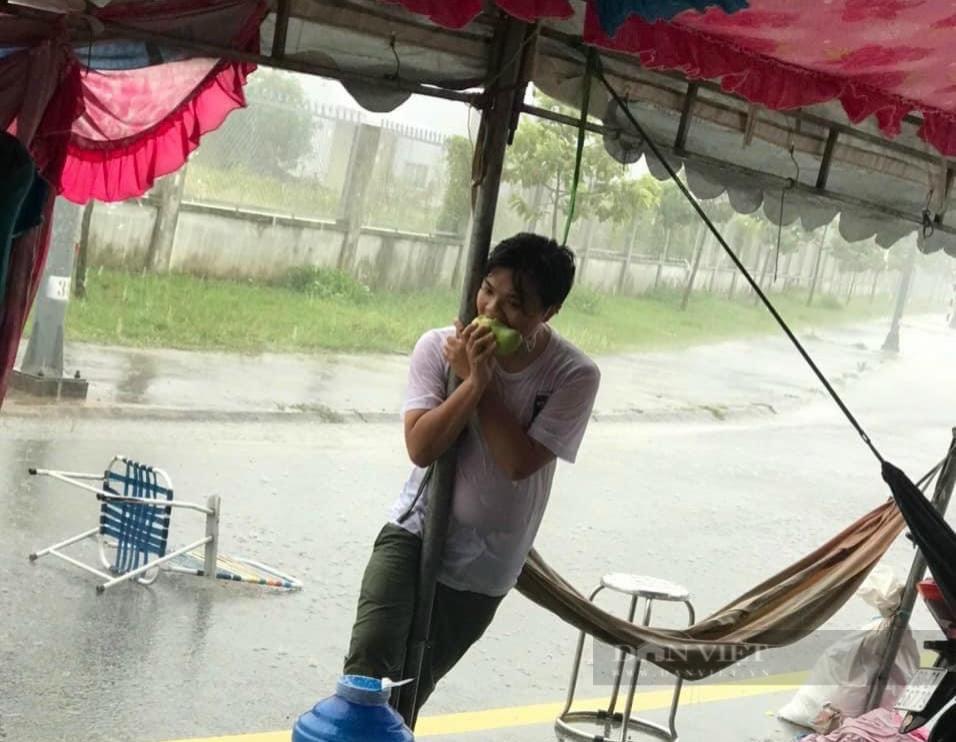 Đồng Nai: Chốt kiểm soát dịch những ngày mưa - Ảnh 10.