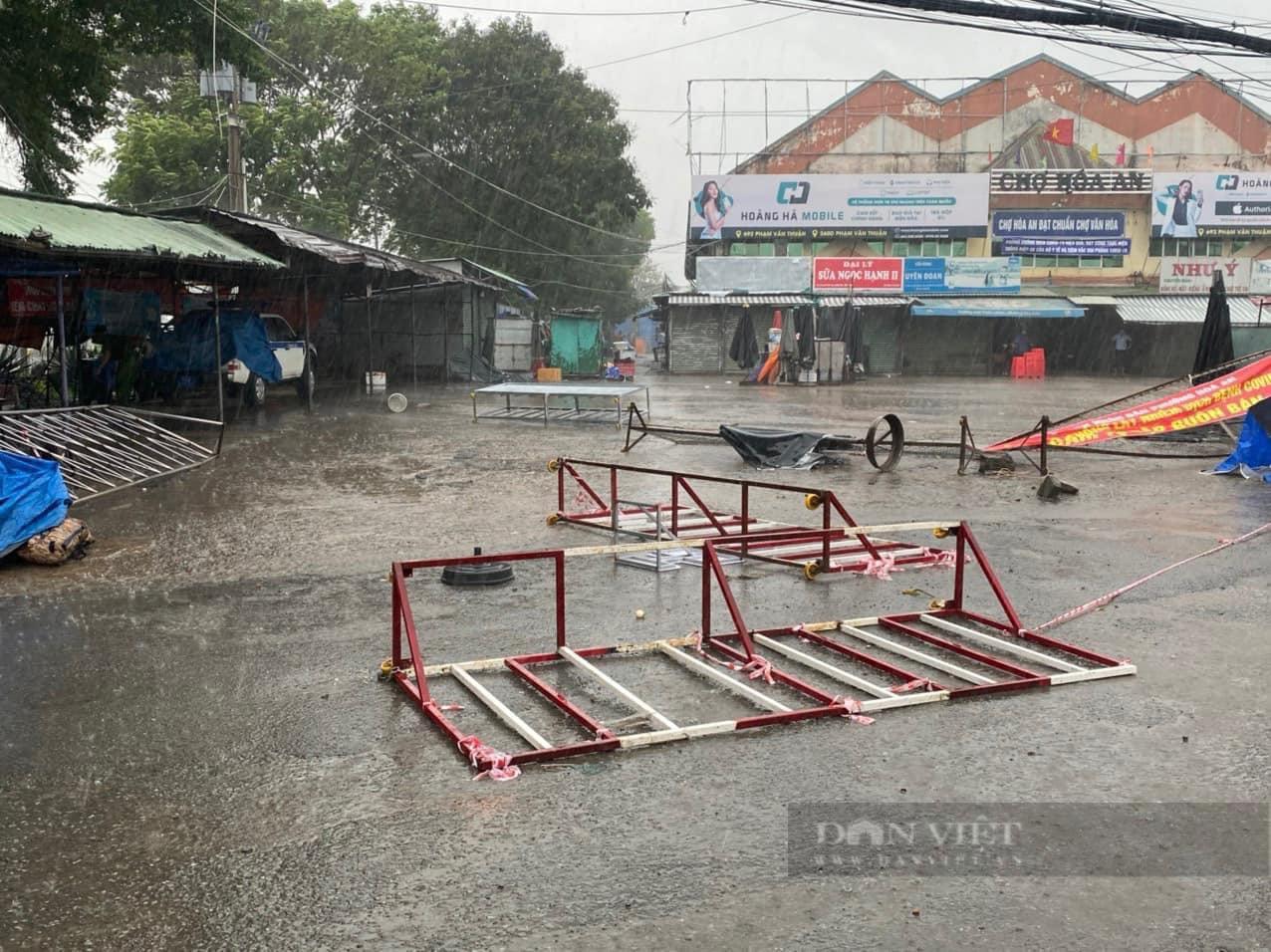 Đồng Nai: Chốt kiểm soát dịch những ngày mưa - Ảnh 11.