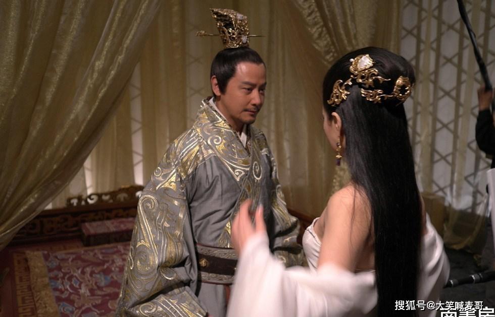Tào Tháo gả 7 con gái cho 1 kẻ hèn yếu, chính quyết định này khiến ông ta không thể xưng đế - Ảnh 2.