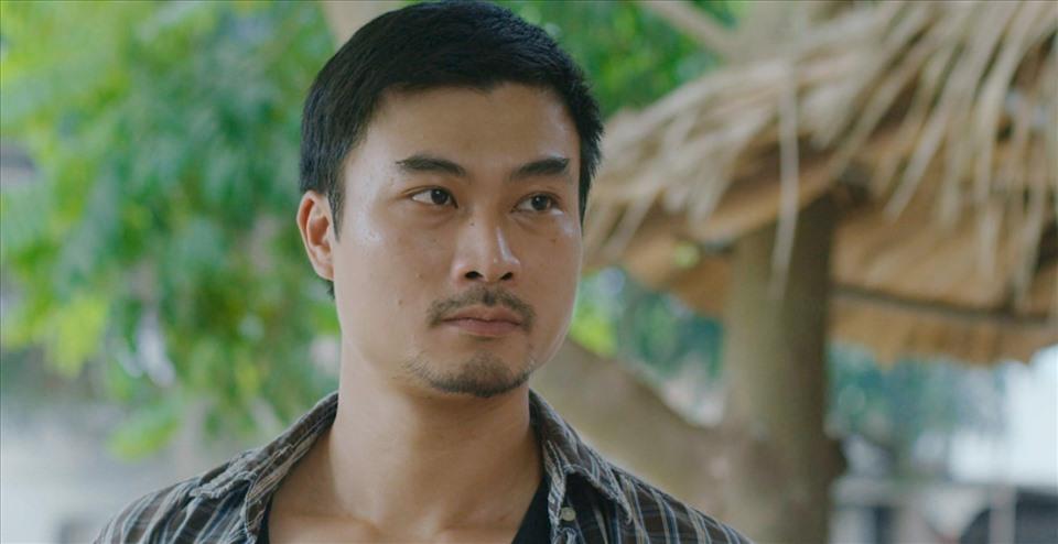 """Cuộc hôn nhân hạnh phúc ngoài đời thực của anh Đồng trong """"Mùa hoa tìm lại"""" - Ảnh 1."""
