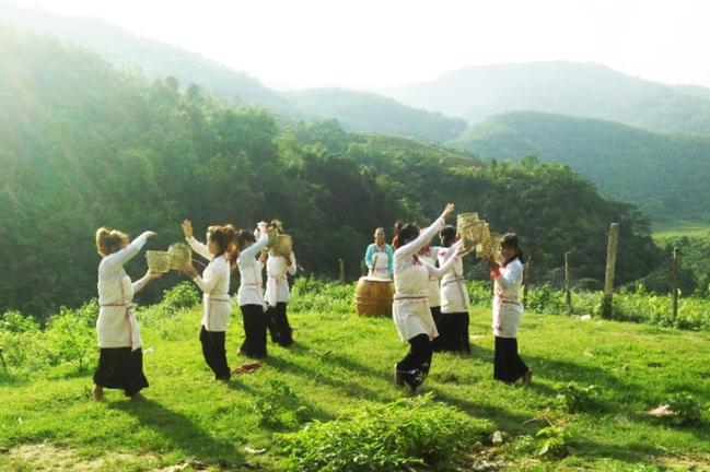ĐBQH, Chủ tịch Hội Nông dân Việt Nam Lương Quốc Đoàn lo ngại nông dân thu nhập thấp đóng góp nhiều - Ảnh 2.