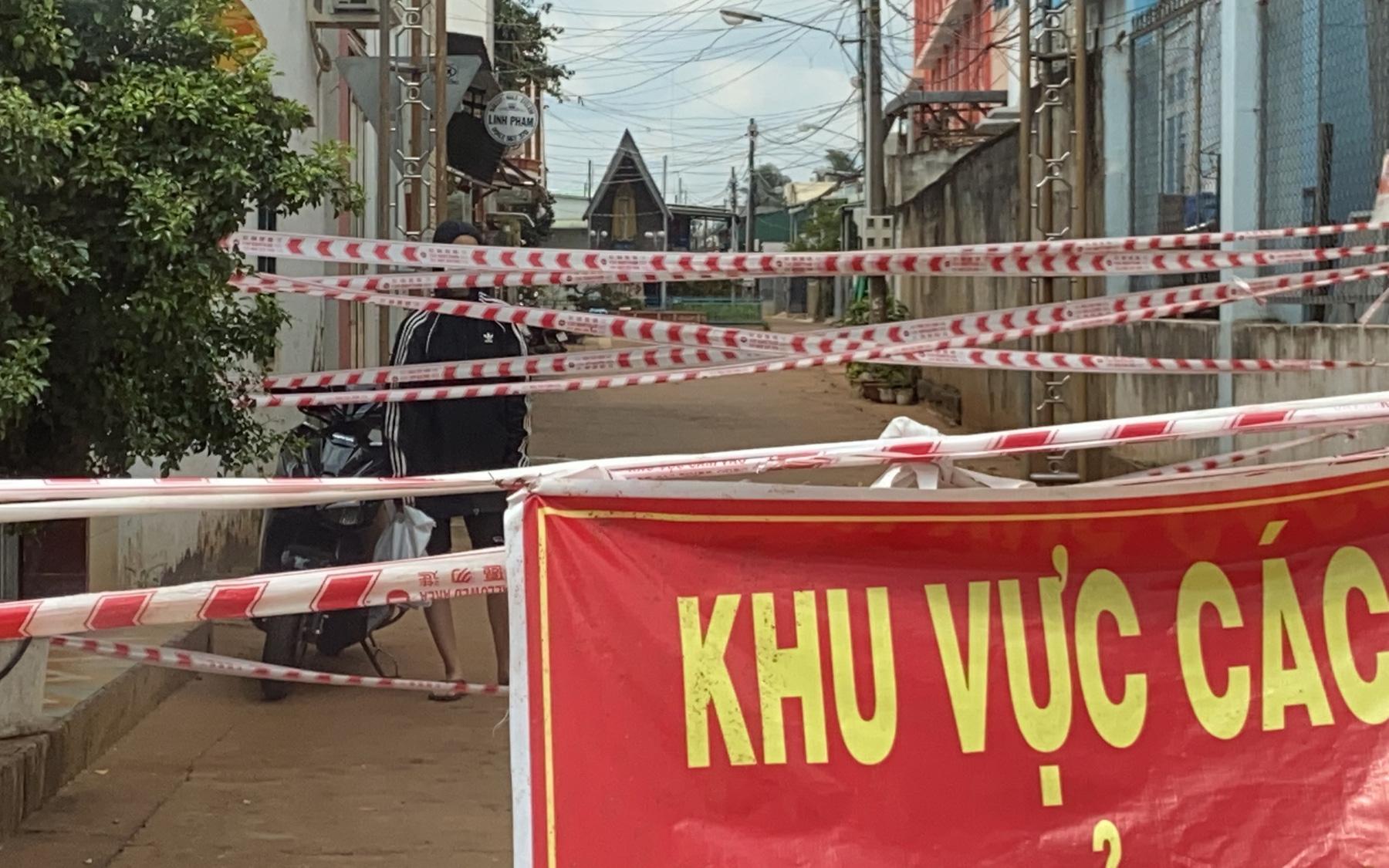 """Đồng Nai: Phong tỏa """"siêu"""" phường Long Bình 120.000 dân, khởi động thêm 1 dàn máy xét nghiệm PCR"""