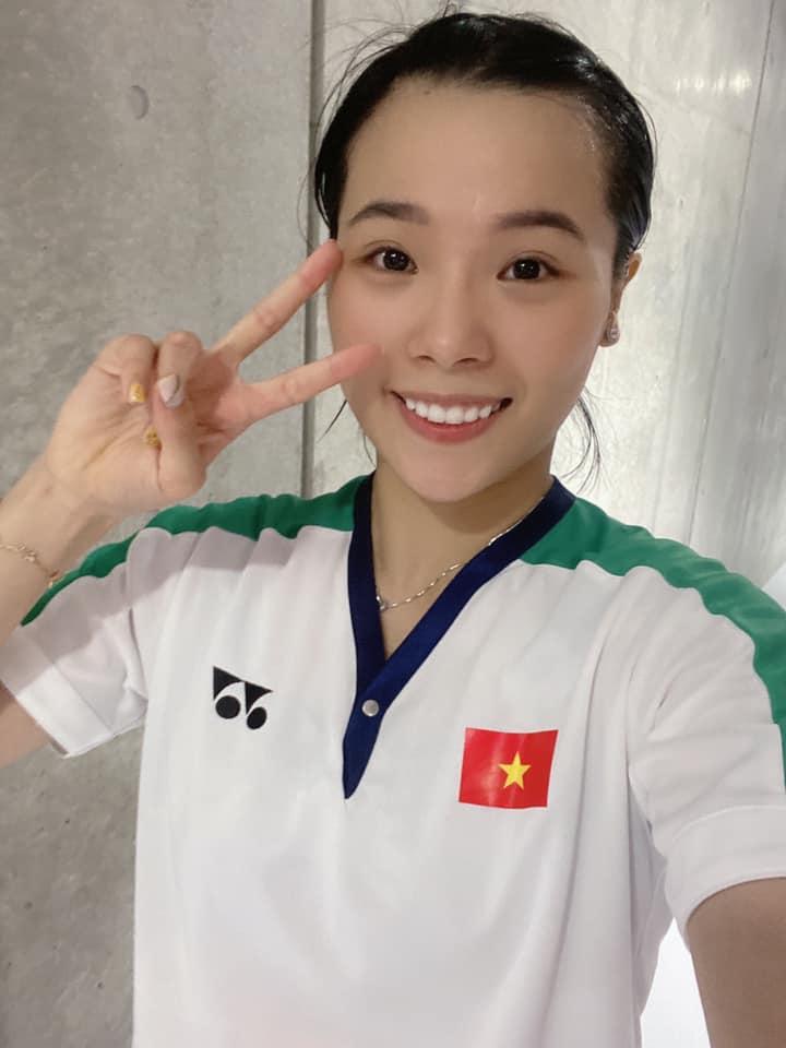 Vẻ đẹp hotgirl cầu lông Việt Nam thắng đối thủ gốc Trung Quốc tại Olympic Tokyo - Ảnh 2.