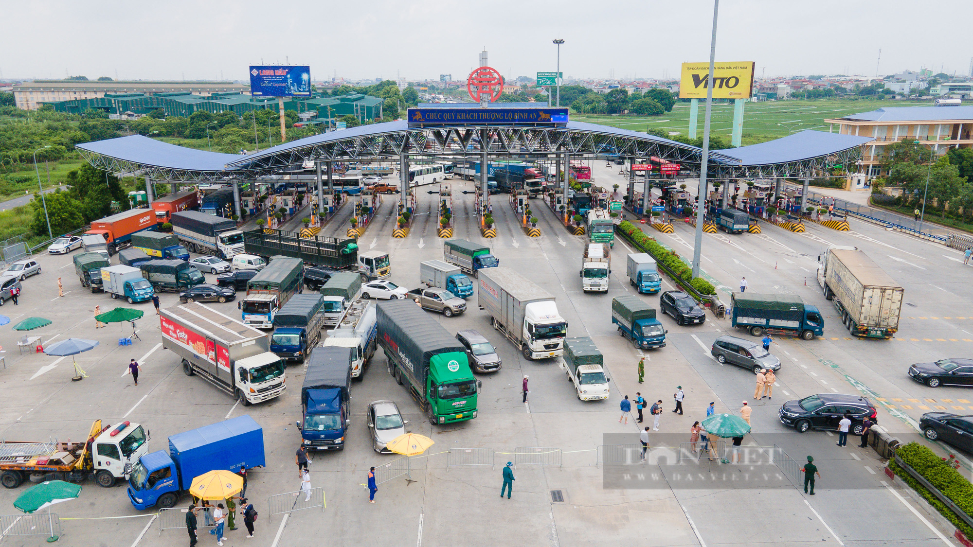 Tài xế đi hơn 1000km từ Vĩnh Long ra Hà Nội bị yêu cầu quay xe - Ảnh 2.