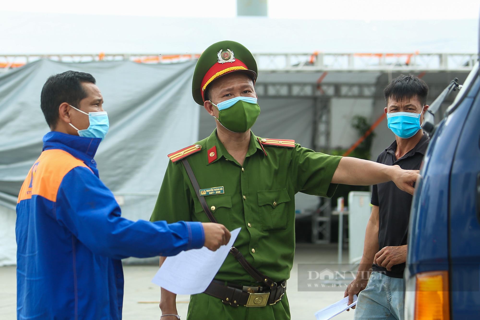 Tài xế đi hơn 1000km từ Vĩnh Long ra Hà Nội bị yêu cầu quay xe - Ảnh 5.