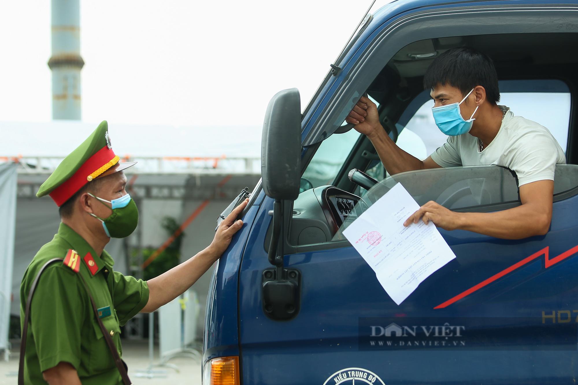 Tài xế đi hơn 1000km từ Vĩnh Long ra Hà Nội bị yêu cầu quay xe - Ảnh 8.