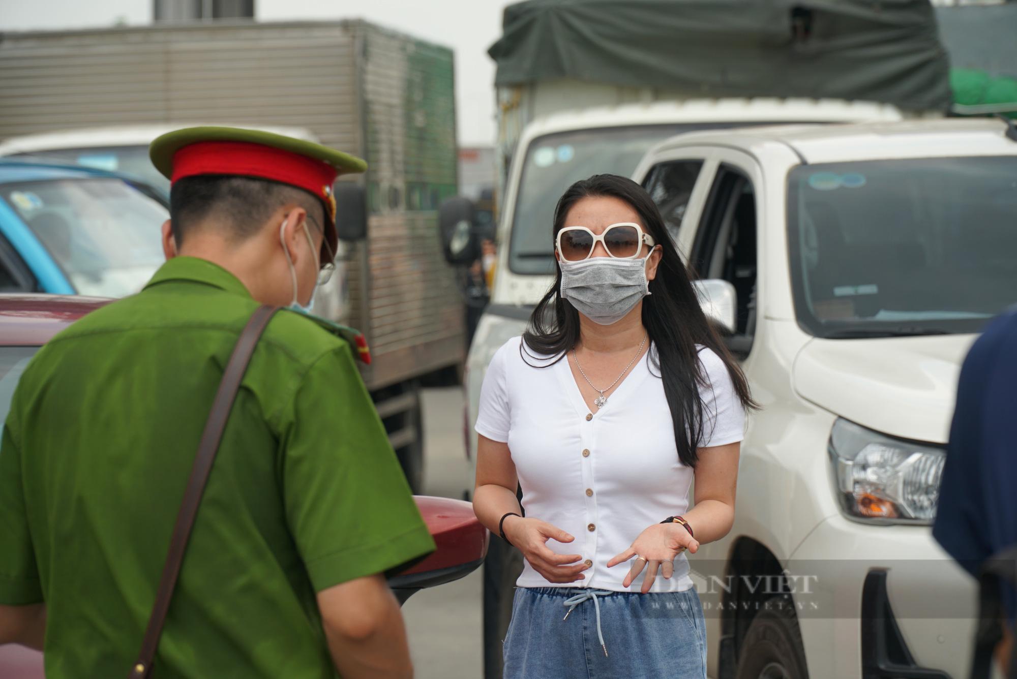 Tài xế đi hơn 1000km từ Vĩnh Long ra Hà Nội bị yêu cầu quay xe - Ảnh 9.