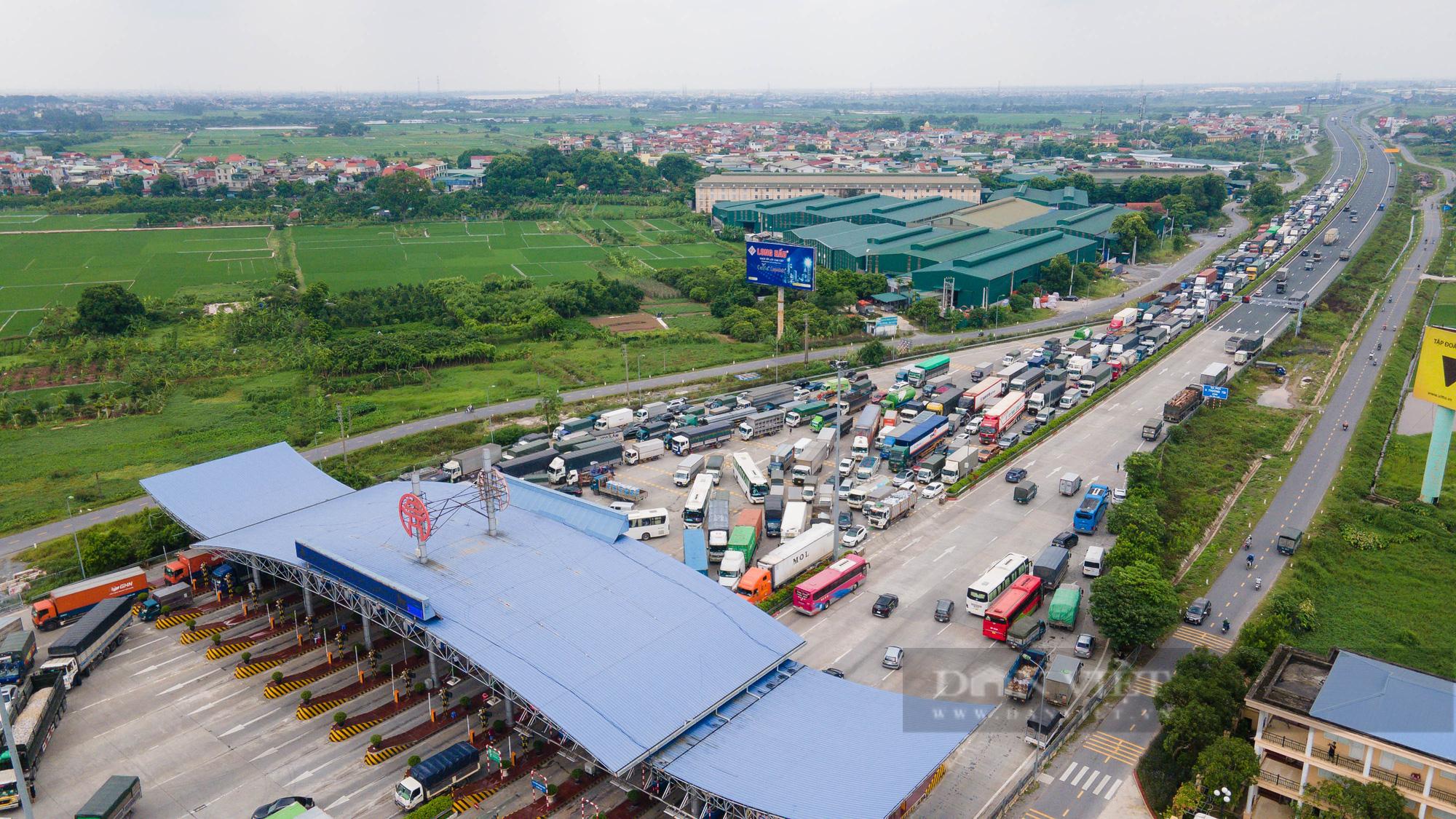 Tài xế đi hơn 1000km từ Vĩnh Long ra Hà Nội bị yêu cầu quay xe - Ảnh 11.