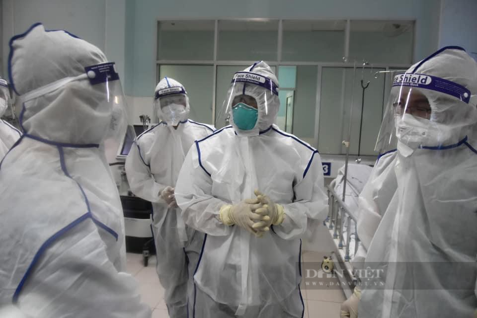 Thứ trưởng Bộ Y tế Nguyễn Trường Sơn kêu gọi y tế tư nhân, bác sĩ nghỉ hưu tham gia chống dịch - Ảnh 3.