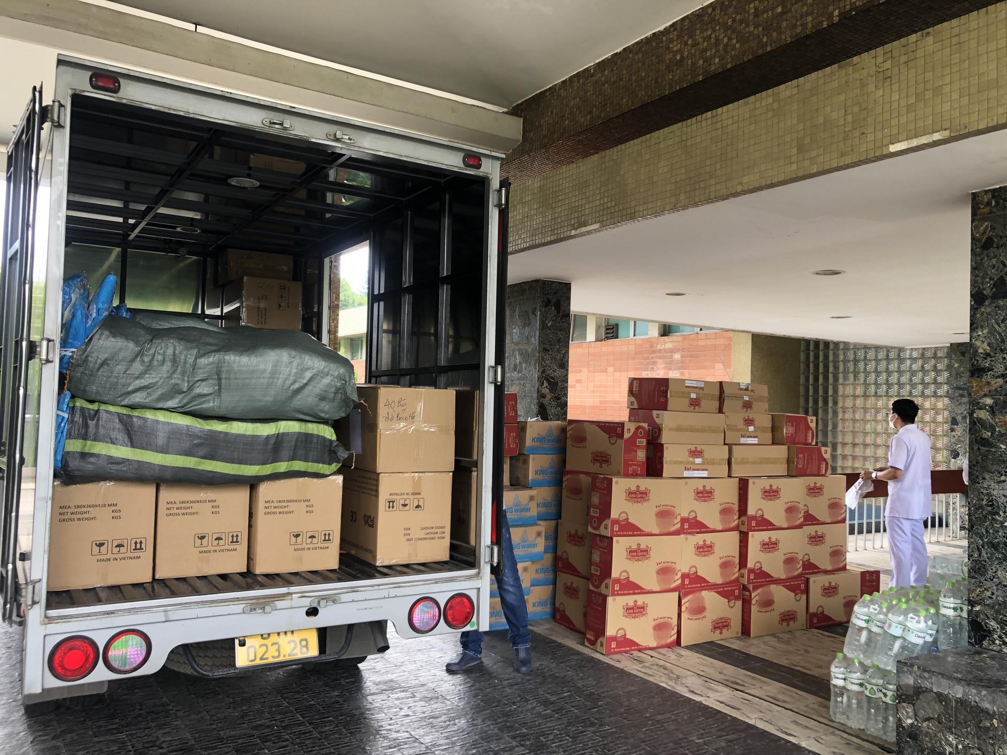 TNI King Coffee tiếp tục hỗ trợ các y bác sĩ tuyến đầu chống dịch tại TP.HCM và Bình Dương - Ảnh 3.