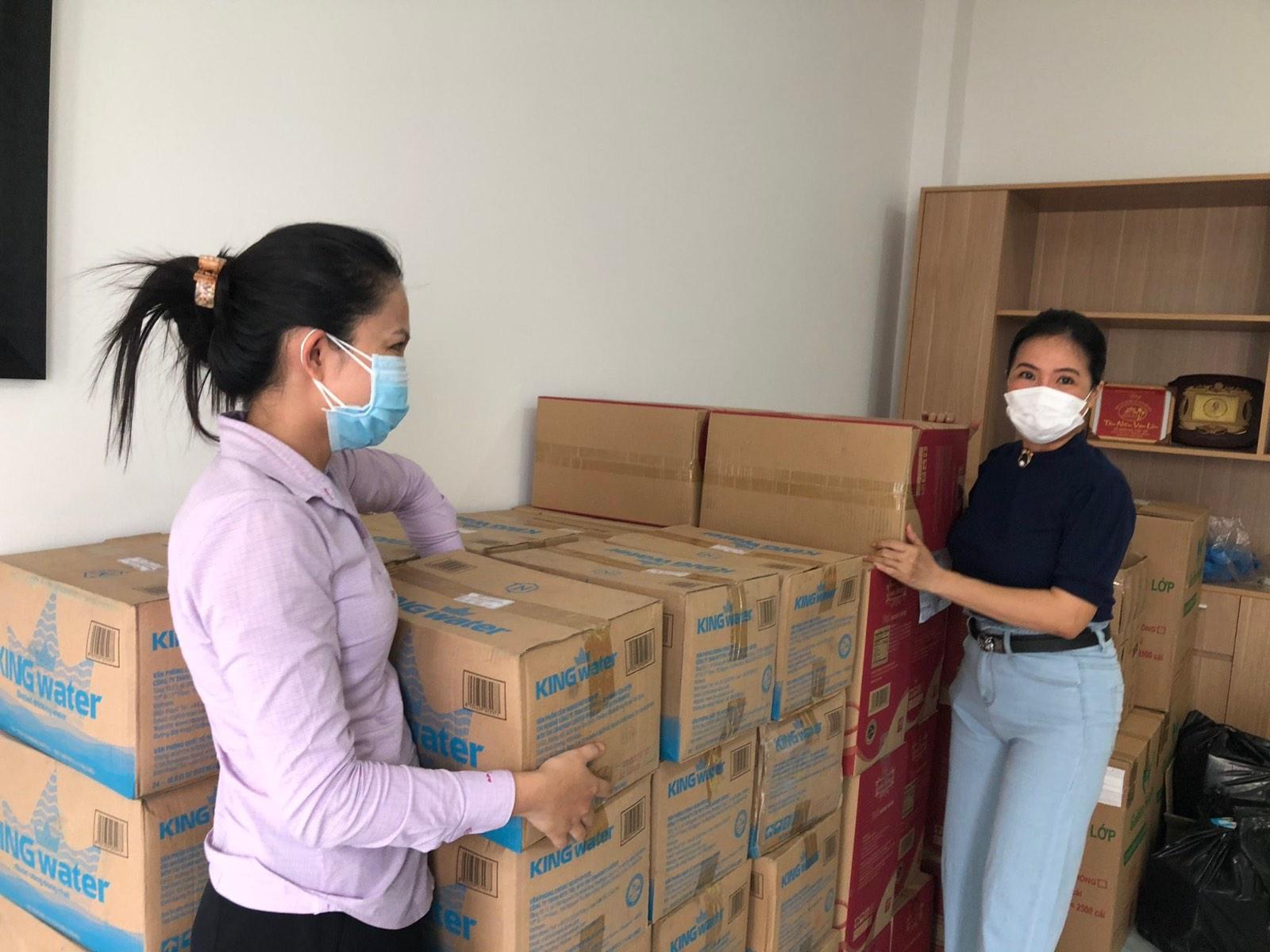 TNI King Coffee tiếp tục hỗ trợ các y bác sĩ tuyến đầu chống dịch tại TP.HCM và Bình Dương - Ảnh 1.