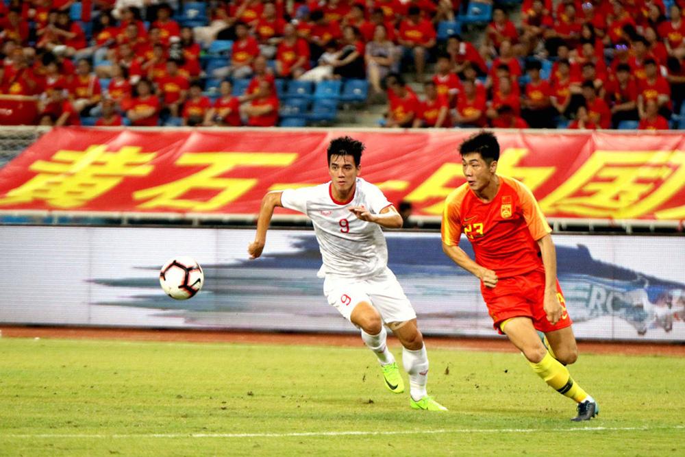 """""""Trung Quốc chê bóng đá Việt Nam nghèo, họ giàu đã làm được gì?"""" - Ảnh 2."""