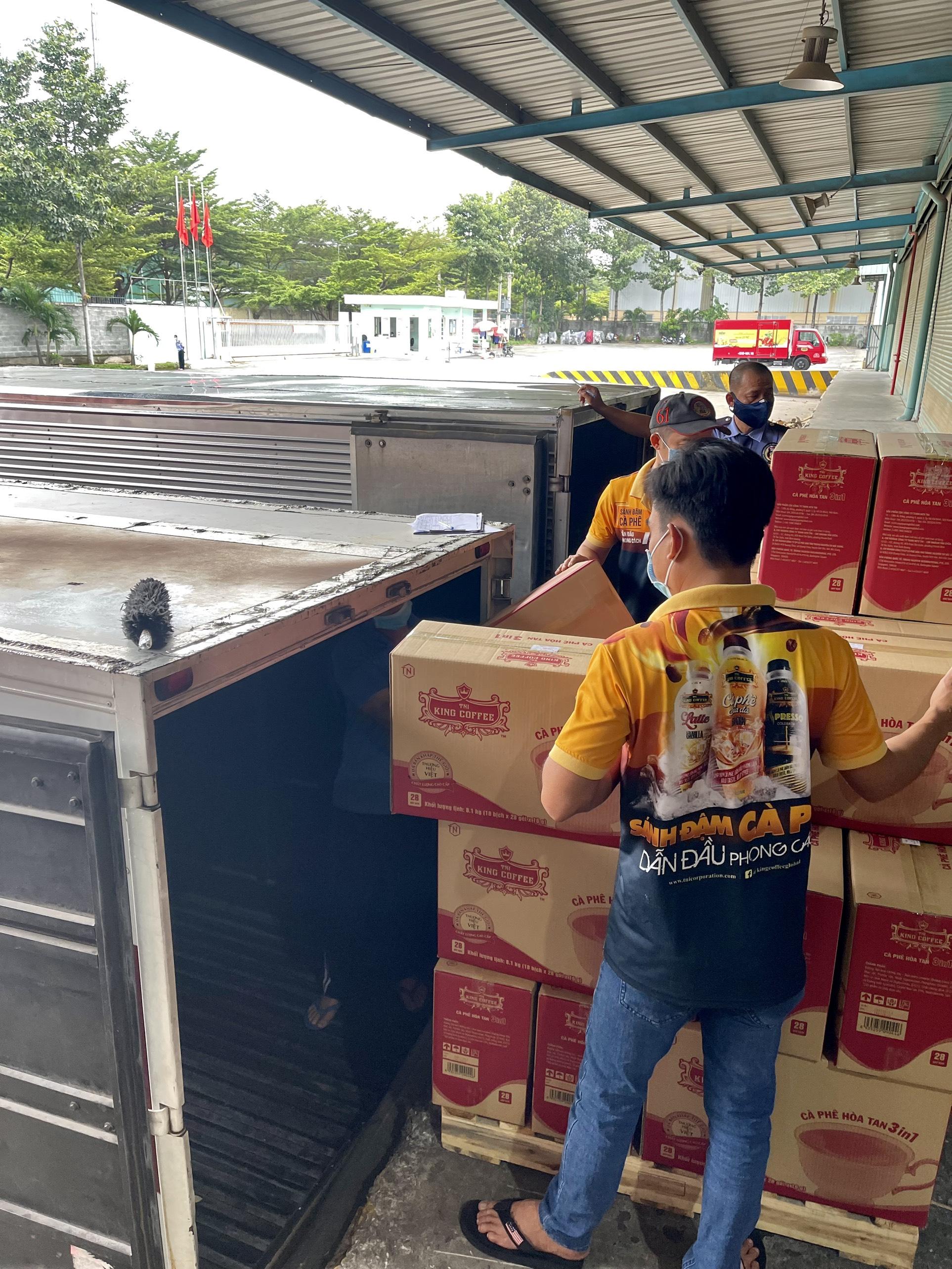 TNI King Coffee tiếp tục hỗ trợ các y bác sĩ tuyến đầu chống dịch tại TP.HCM và Bình Dương - Ảnh 6.