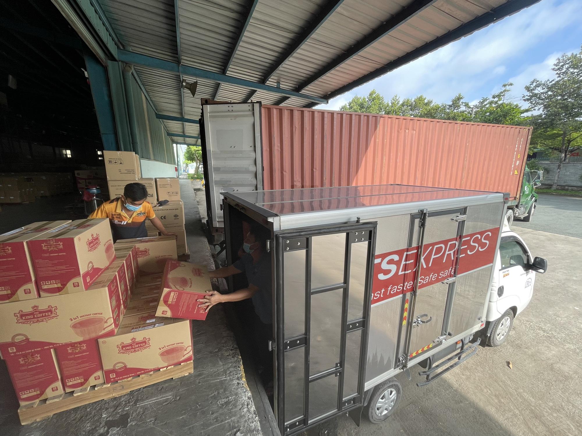 TNI King Coffee tiếp tục hỗ trợ các y bác sĩ tuyến đầu chống dịch tại TP.HCM và Bình Dương - Ảnh 9.