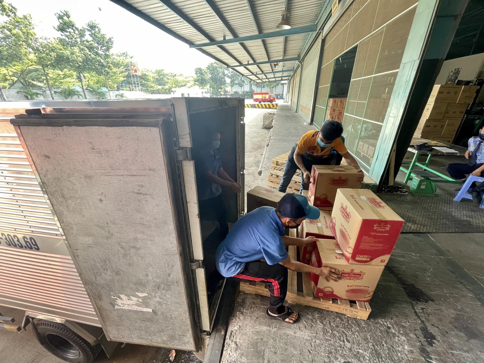 TNI King Coffee tiếp tục hỗ trợ các y bác sĩ tuyến đầu chống dịch tại TP.HCM và Bình Dương - Ảnh 10.
