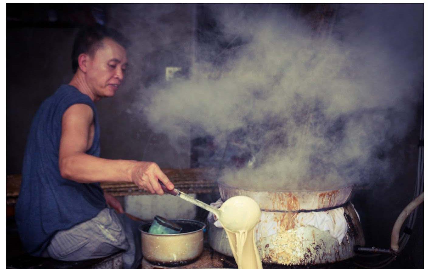 Bắc Giang: Nói không với phụ gia, đặc sản Thổ Hà hút khách gần xa