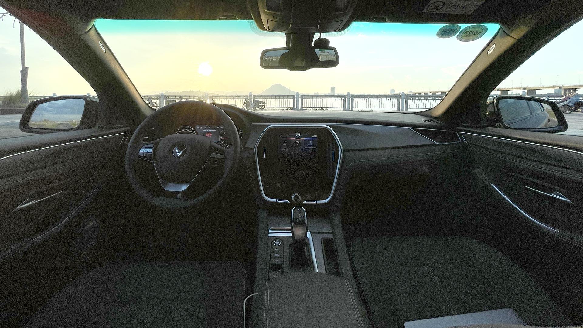 Chủ xe VinFast Lux A2.0 nói thẳng về khả năng vận hành và cách âm  - Ảnh 5.