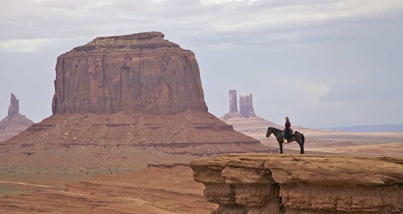 """Khách du lịch bị mê hoặc bởi bí mật của bộ lạc """"Những người nói chuyện bằng mật mã Navajo"""" nổi tiếng - Ảnh 1."""
