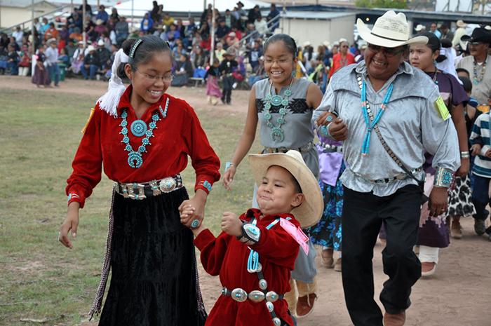 """Khách du lịch bị mê hoặc bởi bí mật của bộ lạc """"Những người nói chuyện bằng mật mã Navajo"""" nổi tiếng - Ảnh 6."""