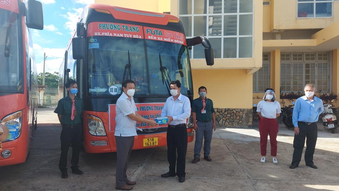 Phương Trang hỗ trợ miễn phí vận chuyển người Phú Yên về từ TP.Hồ Chí Minh - Ảnh 2.