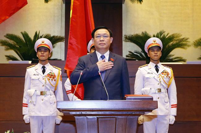 Biến cam kết thành hành động nhìn từ hai quyết định về phòng chống dịch của Chủ tịch Quốc hội Vương Đình Huệ - Ảnh 1.