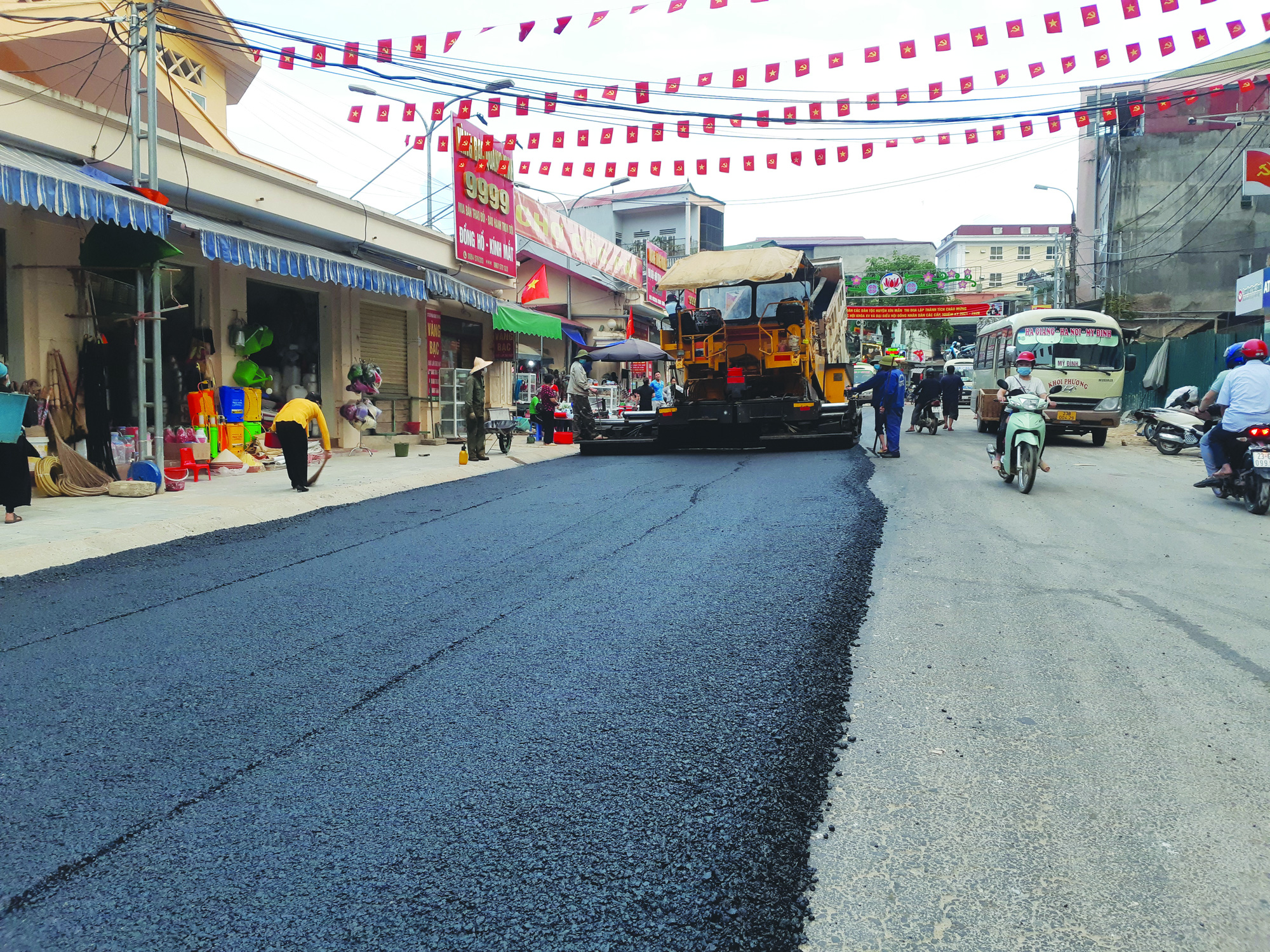 Xín Mần vượt khó hoàn thành tiêu chí giao thông trong xây dựng nông thôn mới - Ảnh 3.