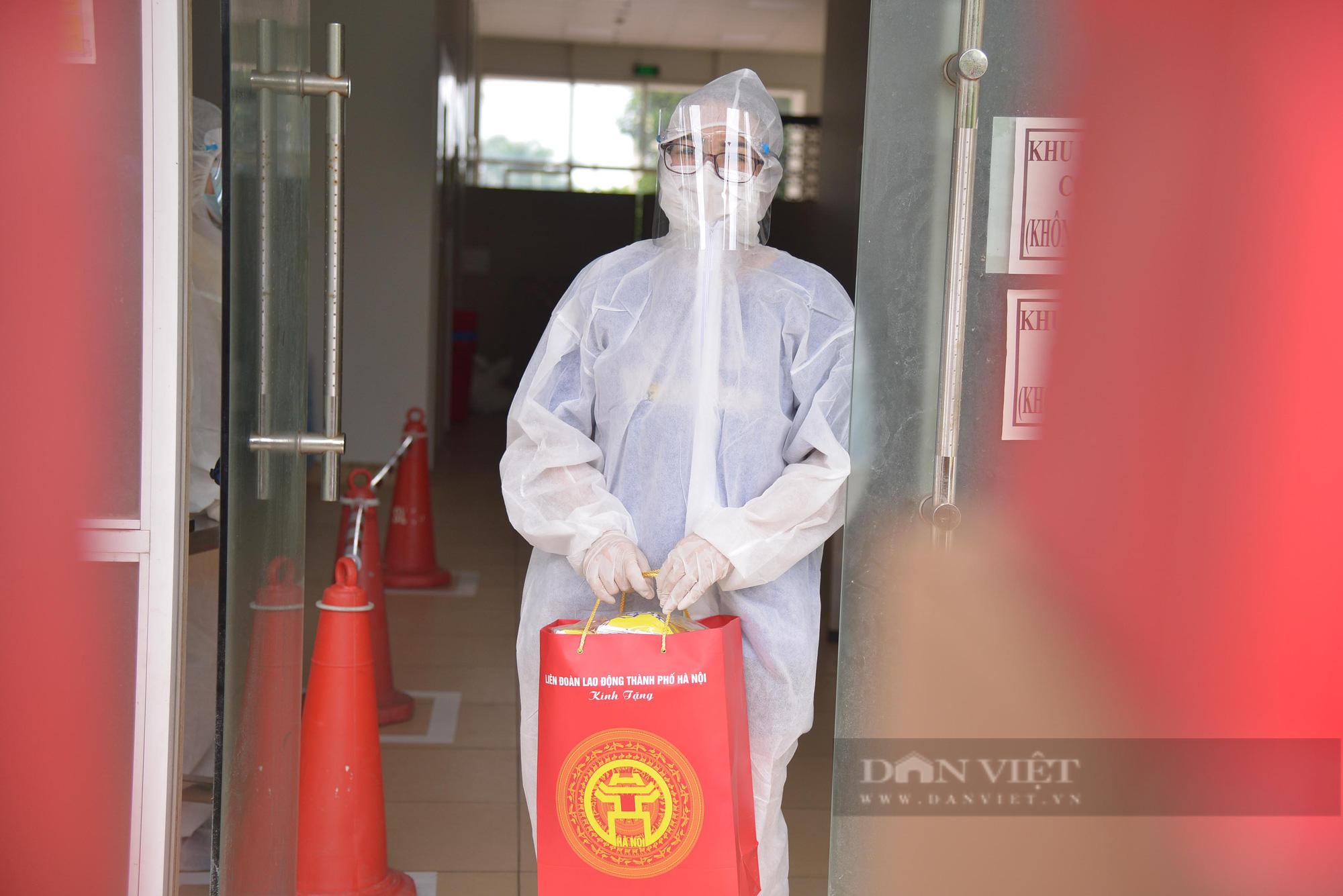 """Cận cảnh """"Xe buýt siêu thị 0 đồng"""" đầu tiên phục vụ CNLĐ khu công nghiệp Hà Nội - Ảnh 7."""