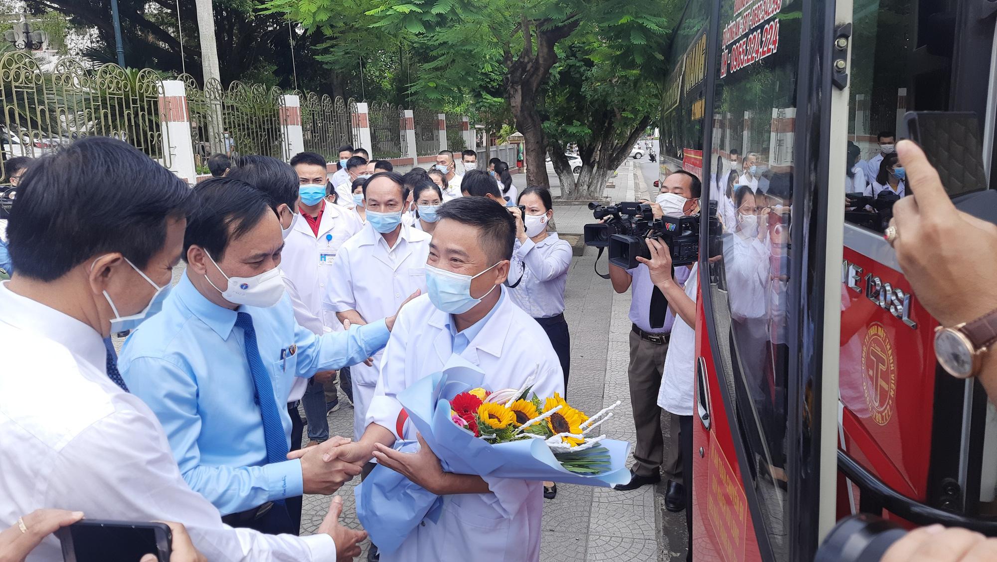 Thêm 36 cán bộ y tế tỉnh Quảng Trị chuẩn bị vào Nam chống dịch: Sẵn sàng có mặt khi Tổ quốc cần - Ảnh 3.
