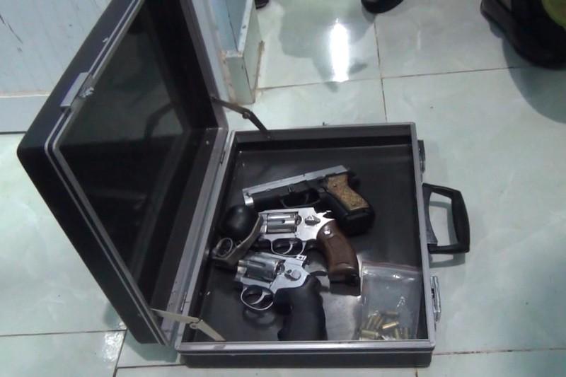 chuyen an ma tuy1kiso 1627311703549 1627311703792866090668 Bắt nhóm tàng trữ hơn 17 kg ma túy cùng nhiều súng đạn