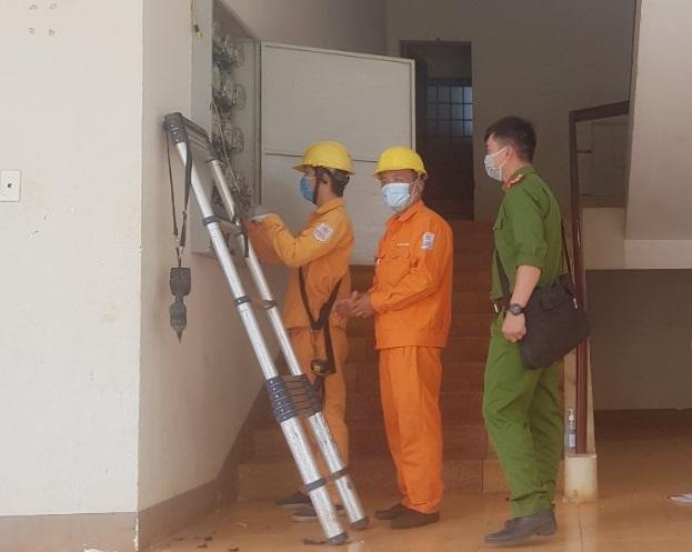 PC Đắk Lắk: Cấp điện phục vụ Bệnh viện dã chiến số 1  - Ảnh 1.