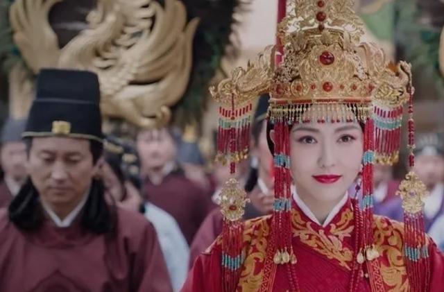 'Mỹ thần' hoàng hậu bị 6 vị hoàng đế chiếm giữ suốt 60 năm, cuối đời vẫn bị tranh giành chỉ vì quá tài sắc! - Ảnh 3.