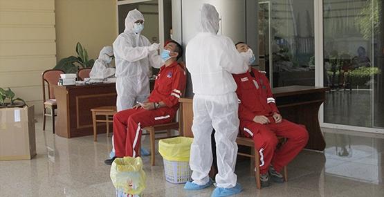 PETROVIETNAM: Khi vắc-ene là ưu tiên số một - Ảnh 2.