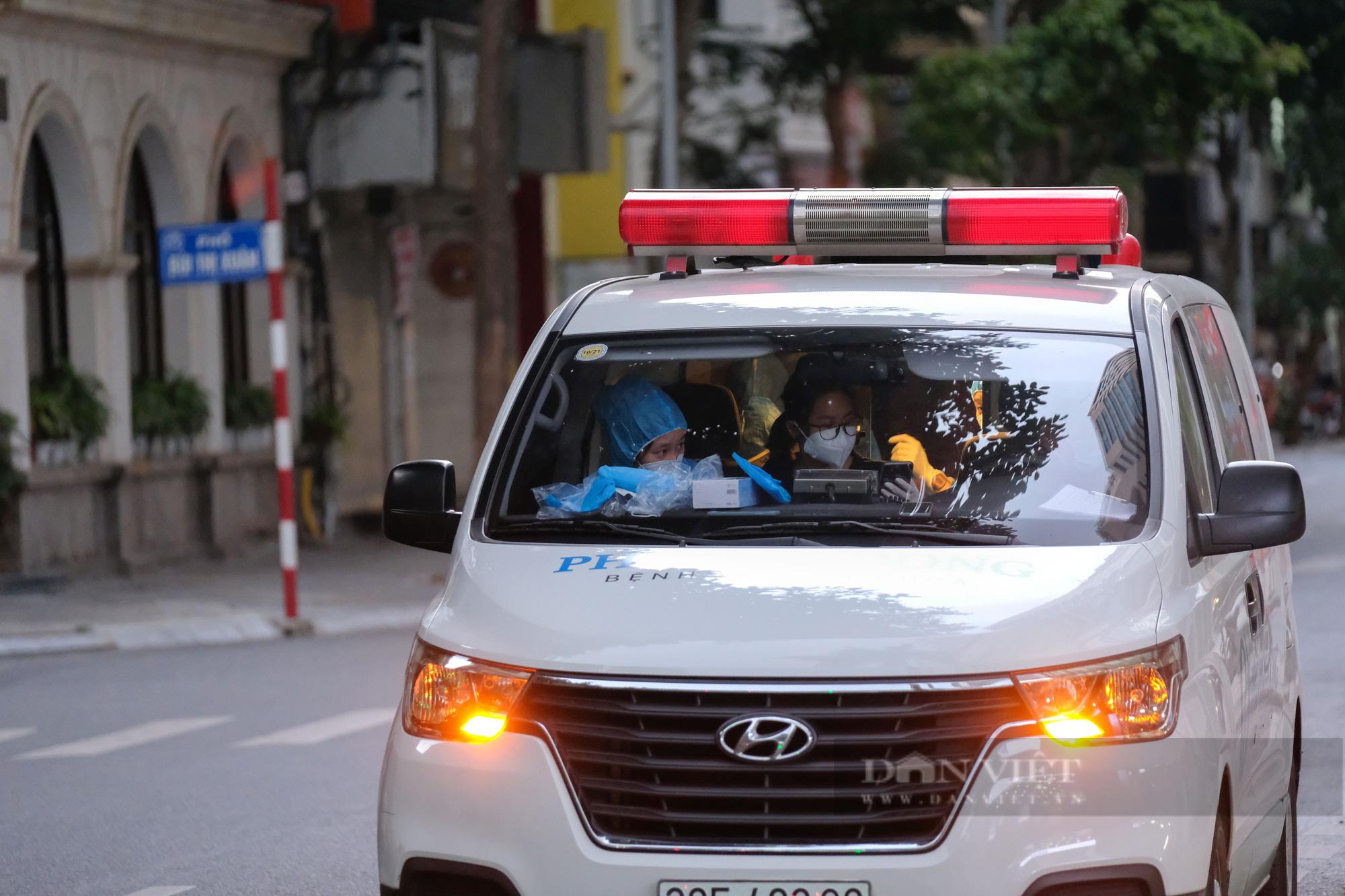 Khẩn trương truy vết người bị nghi nhiễm Covid-19 tại Vincom Bà Triệu - Ảnh 6.