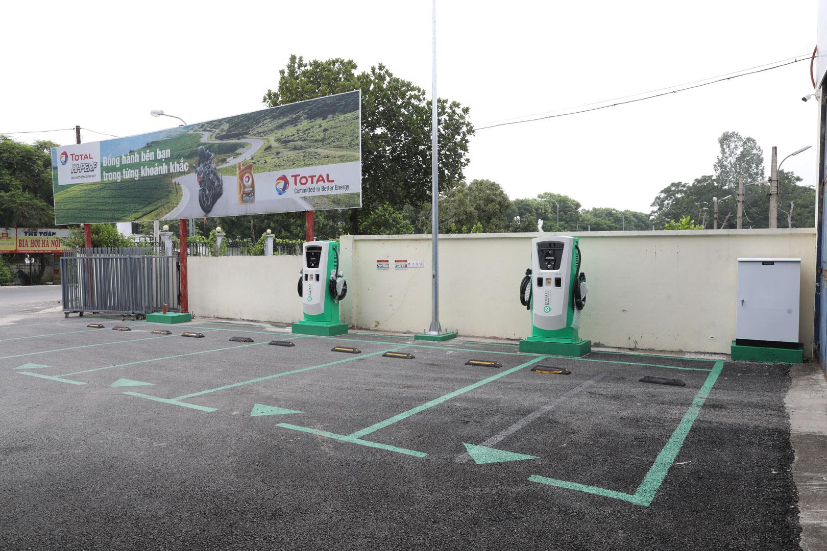 VinFast lắp đặt thần tốc hơn 8.100 cổng sạc ô tô, xe máy điện tại 60 tỉnh thành - Ảnh 6.