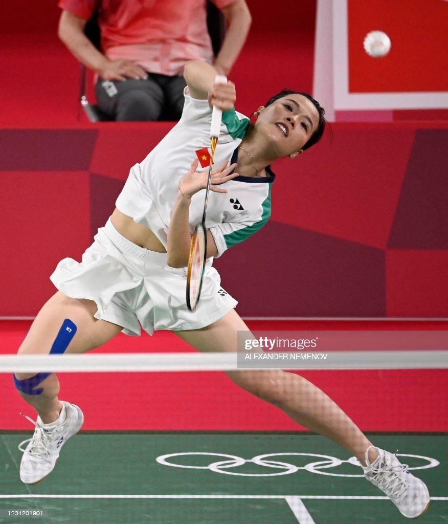 Hoa khôi Nguyễn Thùy Linh thắng dễ tay vợt 3 lần dự Olympic - Ảnh 2.