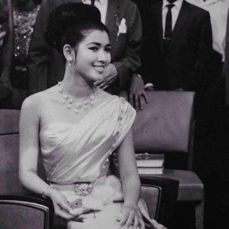 Nhan sắc vượt thời gian của Hoa hậu Hoàn vũ từng bị phản đối khi đăng quang vì… quá lùn - Ảnh 3.