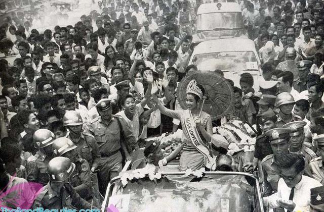 Nhan sắc vượt thời gian của Hoa hậu Hoàn vũ từng bị phản đối khi đăng quang vì… quá lùn - Ảnh 5.