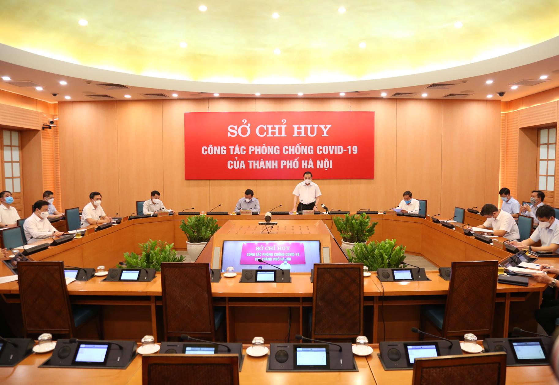 Chủ tịch Hà Nội: Áp dụng biện pháp mạnh hơn Chỉ thị số 17 đối với địa bàn có nguy cơ cao - Ảnh 3.